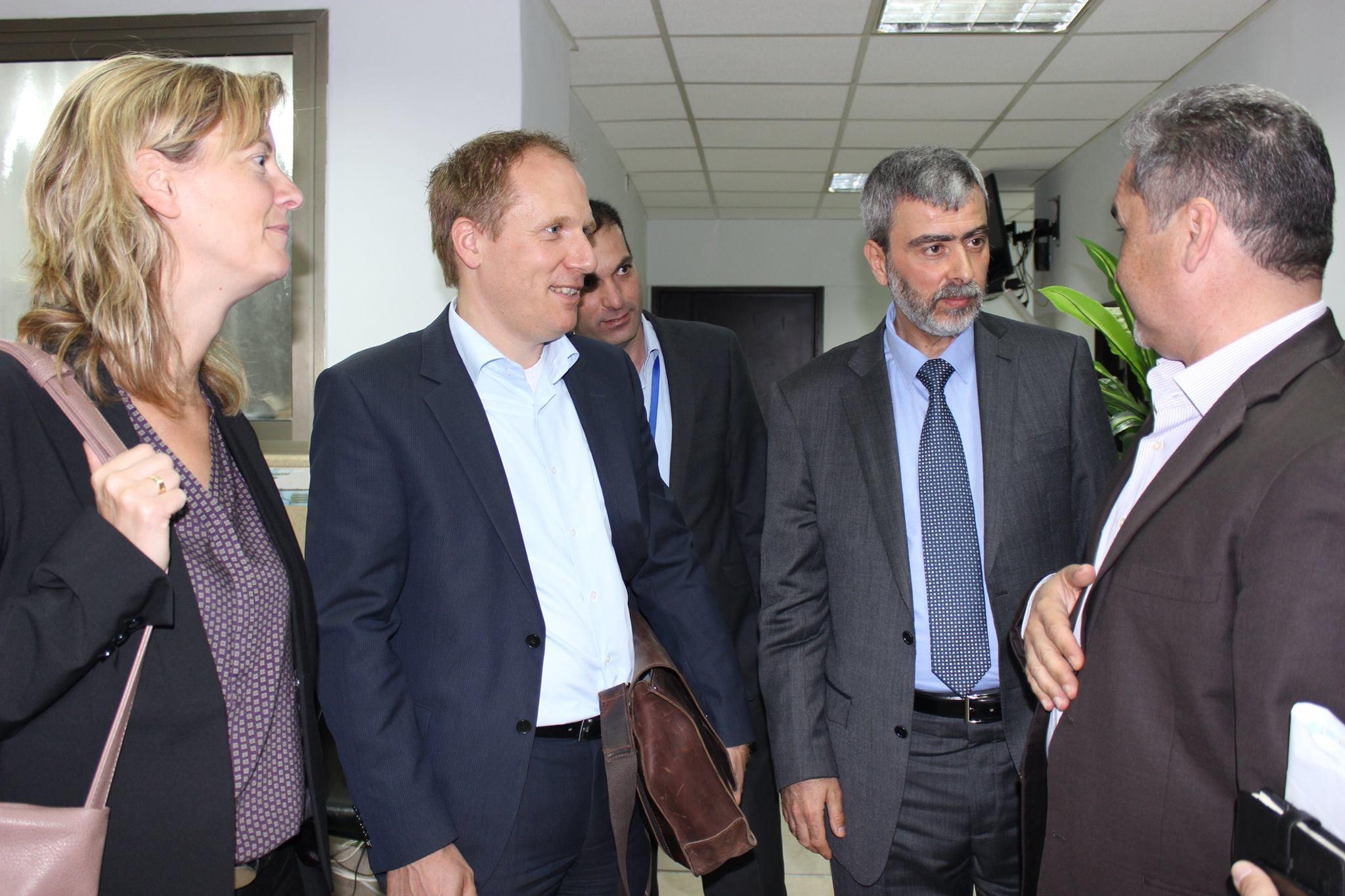 مصلحة مياه محافظة القدس ووفد الماني من ال GIZ وKFW يبحثان امكانية تنفيذ مشاريع تطورية في المخيمات