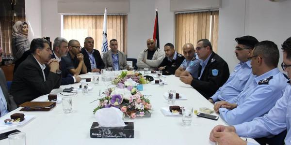 مجلس الادارة والمدير العام يكرمون مدراء الشرطة الفلسطينية