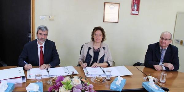 توقيع اتفاقية الخدمات الاستشارية لإعداد الخطة الشاملة للصرف الصحي