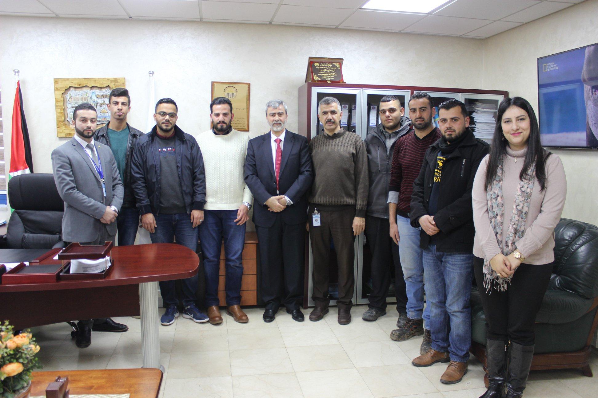 مدير عام مصلحة مياه محافظة القدس يستقبل مجموعة من الموظفين الجدد